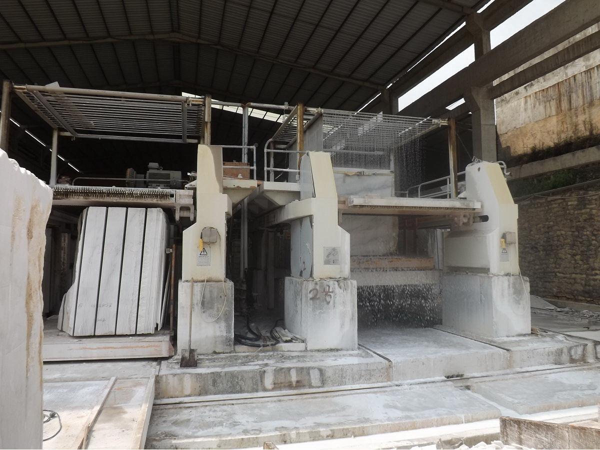 Guangxi White Marble Block Cutting Guangxi White