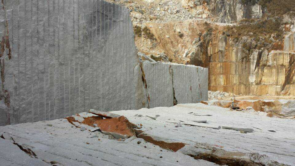 Guangxi White Chinese Marble Quarry (14)