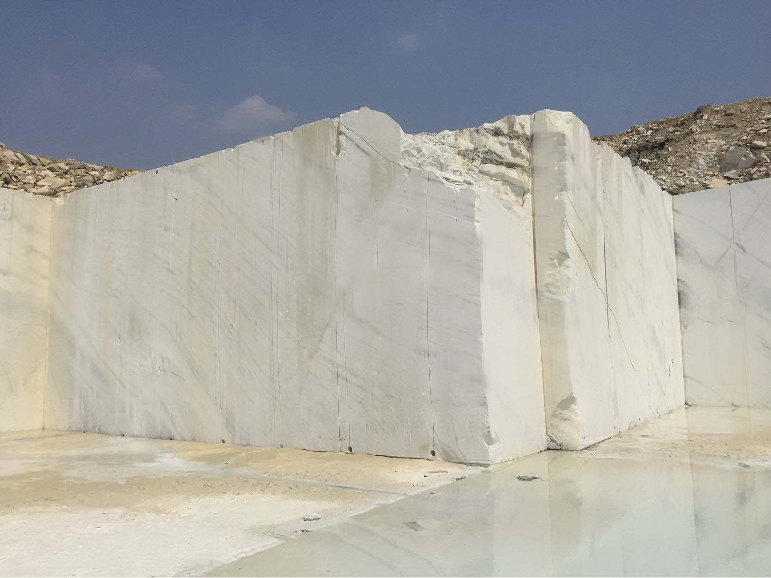 Guangxi White Chinese Marble Quarry (3)