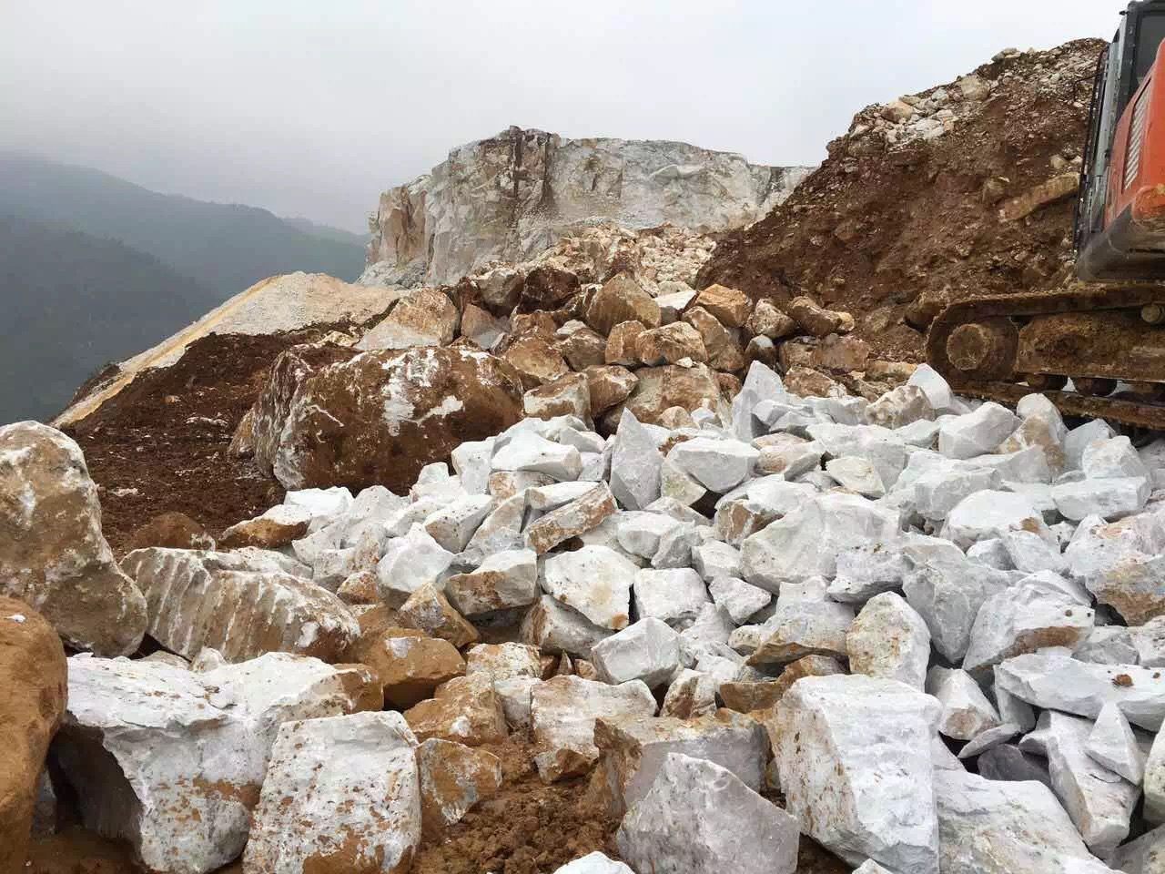 Guangxi White Chinese Marble Quarry (10)