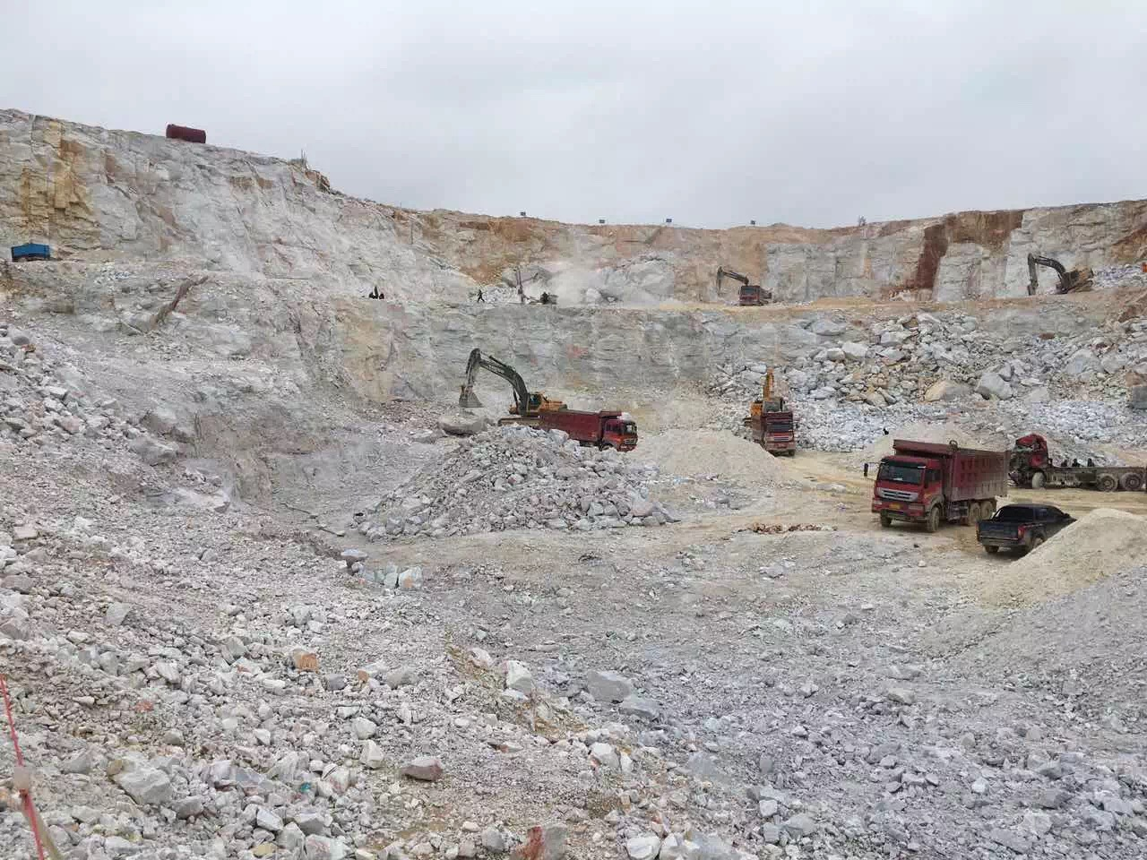 Guangxi White Chinese Marble Quarry (8)